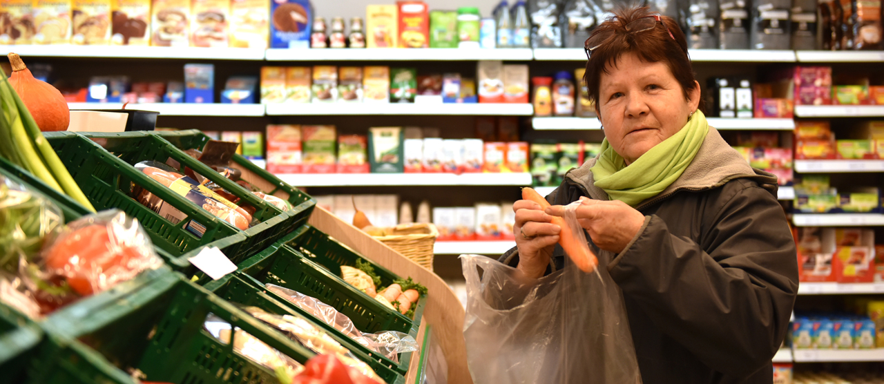 Around 330 members operative a cooperative grocery shop in Jagsthausen and share the profits.