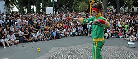 The juggler D<i>Juggledy</i> at the Puebla Festival in Mexico