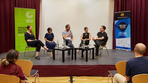 "Participants of the panel following the screening of ""grenzenlos"""