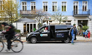 L'Allygator Berlin Car-Sharing loue des navettes.