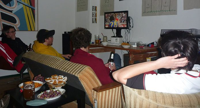 AFL for Germans: watching the 2005 Grand Final on DVD.