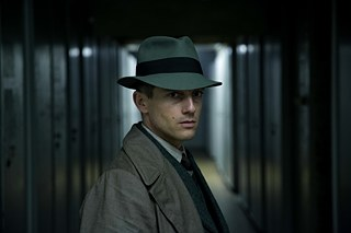 Volker Bruch as Inspector Gereon Rath in the series Babylon Berlin. Photo by Frédéric Batier / X Filme