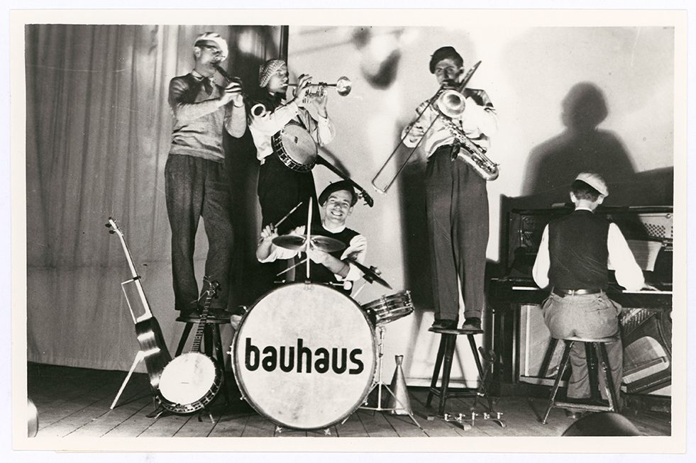 Performers of the Bauhaus band, 1930