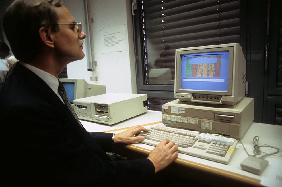 The BSI was established long before there was any real public awareness of Internet threats: a BSI staffer at work in 1992.