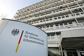More than 900 experts at the Federal Office for Internet Security in Bonn analyse movements on the Internet.
