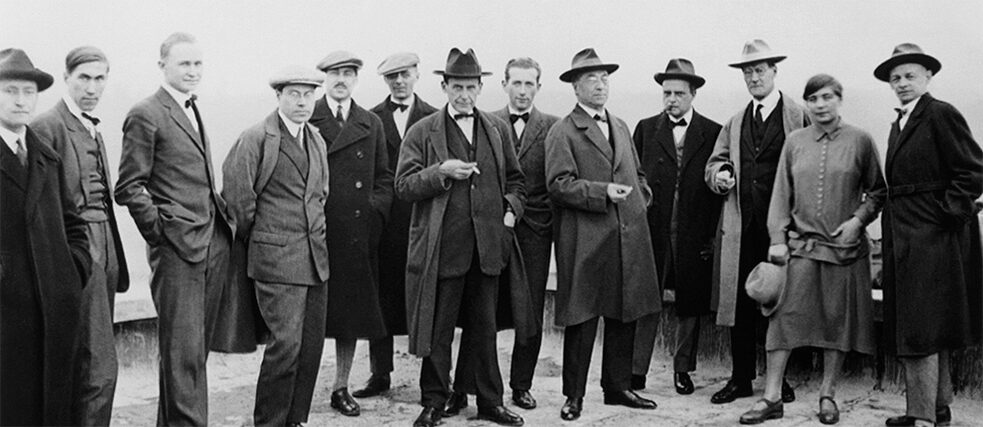 Group photo of Bauhaus masters in Dessau (1926): f. l. t. r: Josef Albers, Hinnerk Scheper, Georg Muche, László Moholy-Nagy, Herbert Bayer, Joost Schmidt, Walter Gropius, Marcel Breuer, Wassily Kandinsky, Paul Klee, Lyonel Feininger, Gunta Stölzl und Oskar Schlemmer.