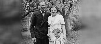 Thomas Buergenthal and his parents