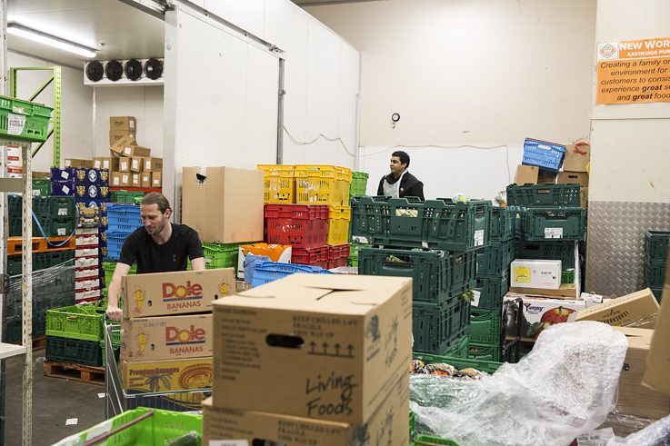 Everybody Eats founder Nick Loosley rescuing food from New World, Eastridge