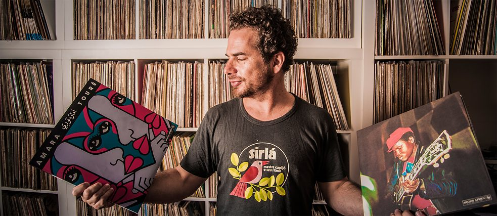 "Whether it is rumba from the Congo or Western music from Brazil: Samy Ben Redjeb releases the pearls of African music at his ""Analog Afrika"" label."