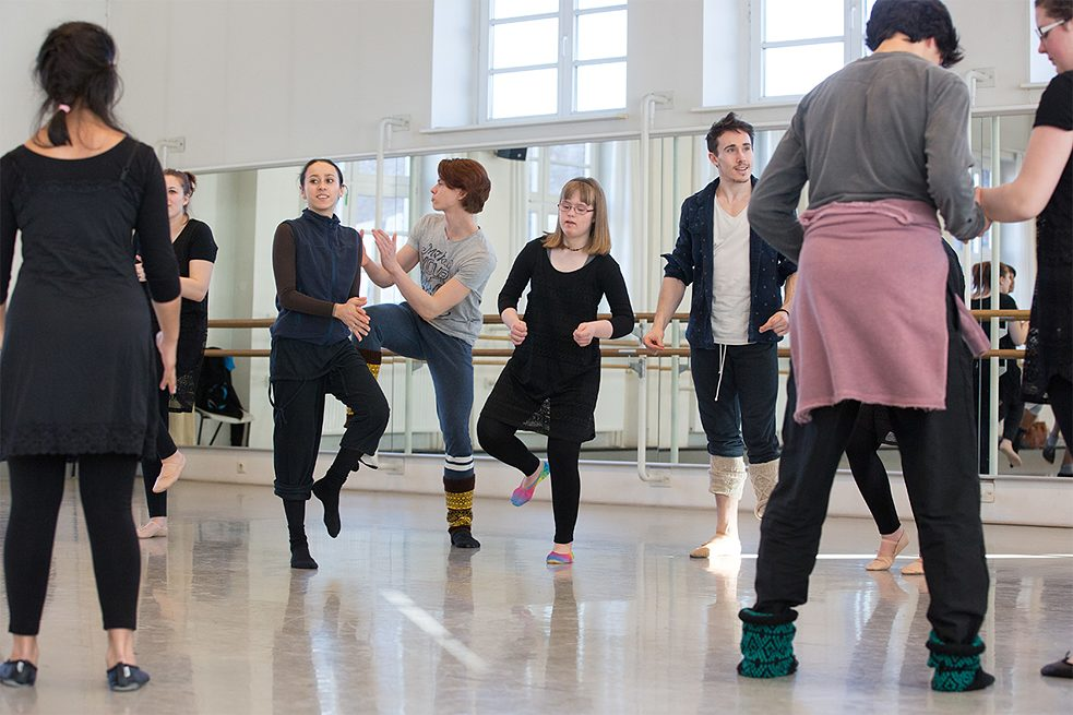An inclusive dance workshop at John Neumeier's National Youth Ballet School.