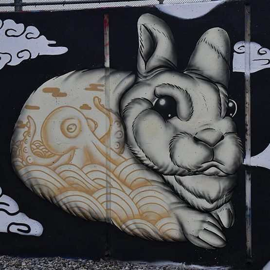 Mural de Golden Rabbit Silent Monkey