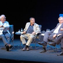 60 years later: Group 47 - Günter Grass, Joachim Kaiser and Martin Walser - on the blue sofa at the Berlin Ensemble