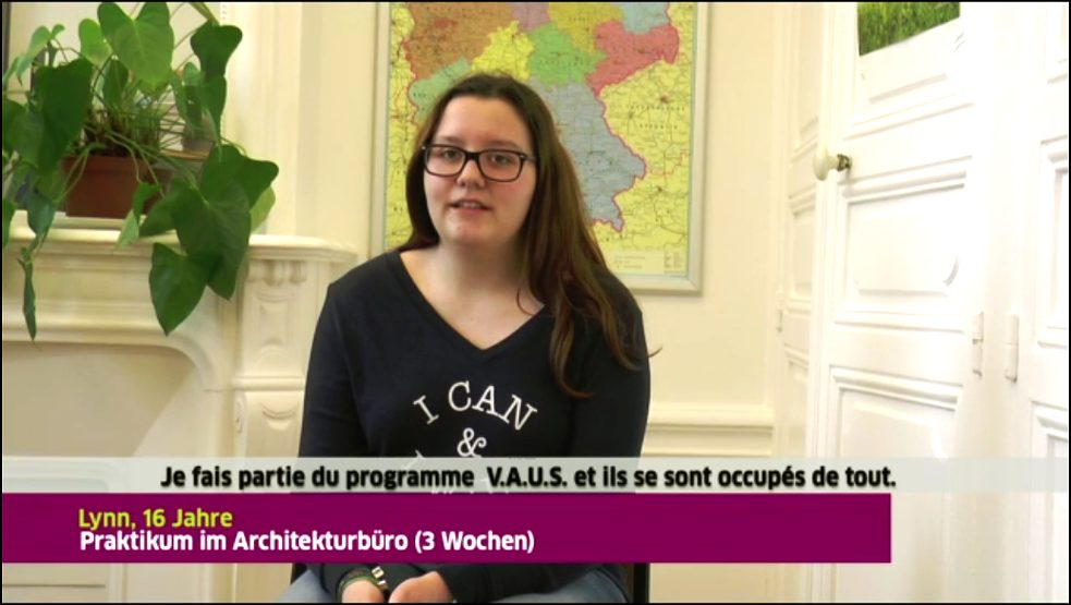 jeune interlocutrice d'un interview