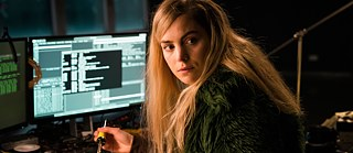 Still from You Are wanted – Season 2, Episode 2: Hacker at work: Angel (Hannah Hoekstra) helps Lukas