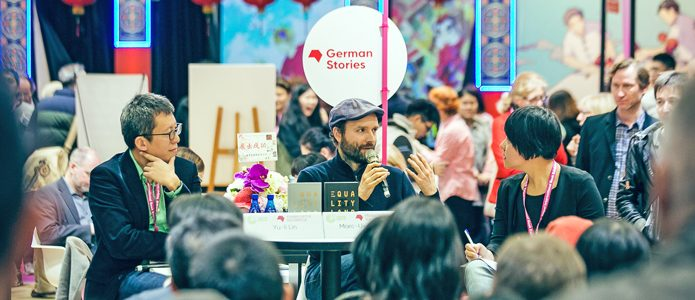 The author tandem of Marc-Uwe Kling and Yu Li Lin at the Taiwan book fair