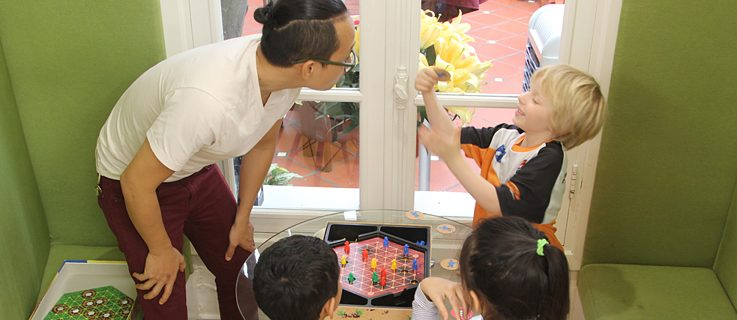 Library as a meeting place | Visit from the elementary school UNIS Hanoi