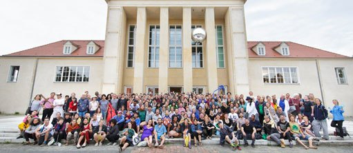 Group picture in front of the Festspielhaus Hellerau