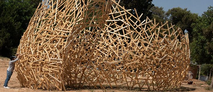"A manifesto of social sensitivities: The ""wooden cloud"" reflects the dreams, fears and longings of the urban population of Ramallah"