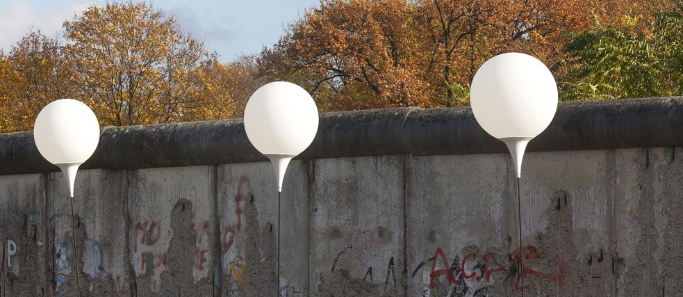 """Lichtgrenze"" (light boundary) – an installation by film director Marc Bauder and his brother Christopher for the 25th anniversary of the fall of the Berlin Wall in 2014."