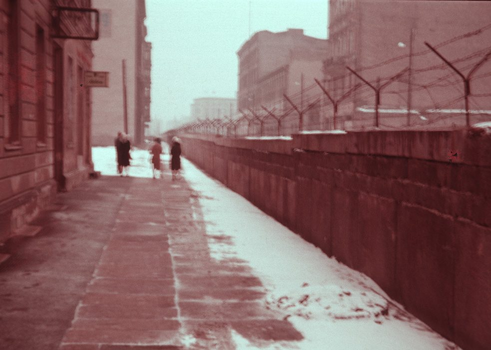 People at the Berlin Wall (1961-62)
