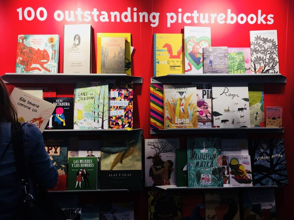 Buchmesse – Sektion <i>100 Outstanding Picturebooks</i>