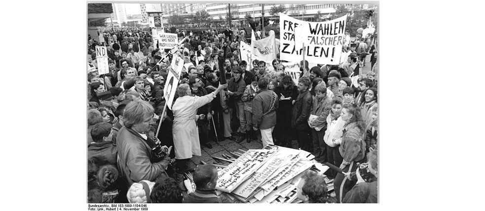Demonstration in Berlin on 4 November 1989