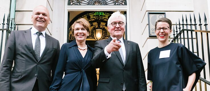 From left to right: Johannes Ebert (Goethe-Institut General Secretary), Elke Büdenbender (wife of the President), Frank-Walter Steinmeier (President of the Federal Republic of Germany) and  Marina May (Goethe-Institut Boston Director) at the stairs of the Goethe-Institut Boston.