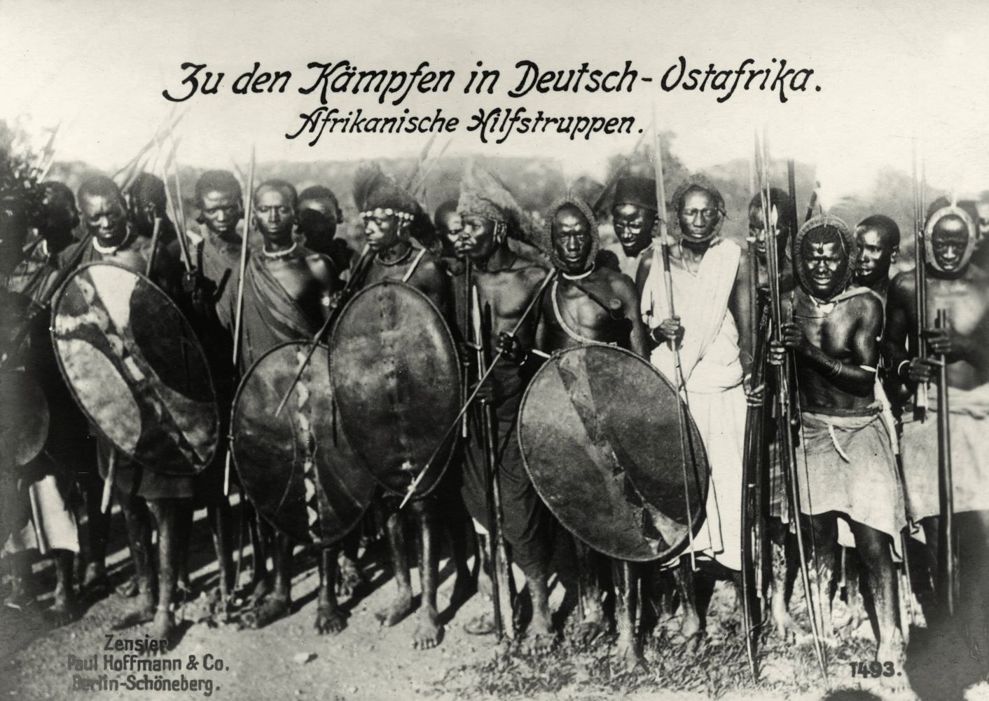 African auxiliary troops from Deutsch-Ostafrika (Tanzania). Photo, around 1915.