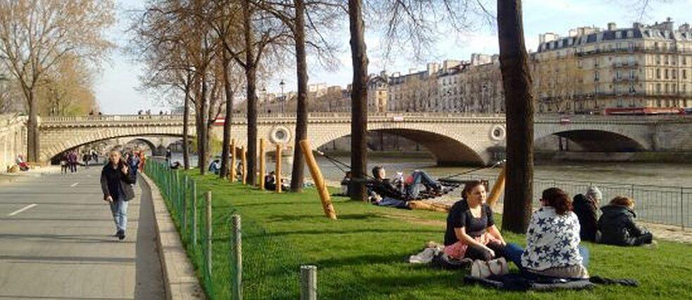 Vorher fuhren hier Autos, jetzt tummeln wir (Wahl-) Pariser uns hier sitzend, radelnd und joggend