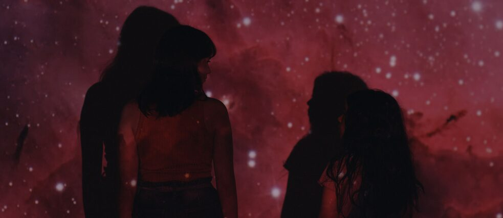 Sisters in the End of the World, Brasilien 2020. Regie: Luciana Mazeto, Vinícius Lopes. Im Bild​: Maria Galant, Anaís Grala Wegner . Berlinale Generation 2020.