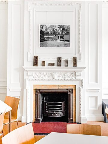 In the Reception (2nd floor): Private Residence, Six Moon Hill, Lexington, MA | Fotografie von Mark Römisch