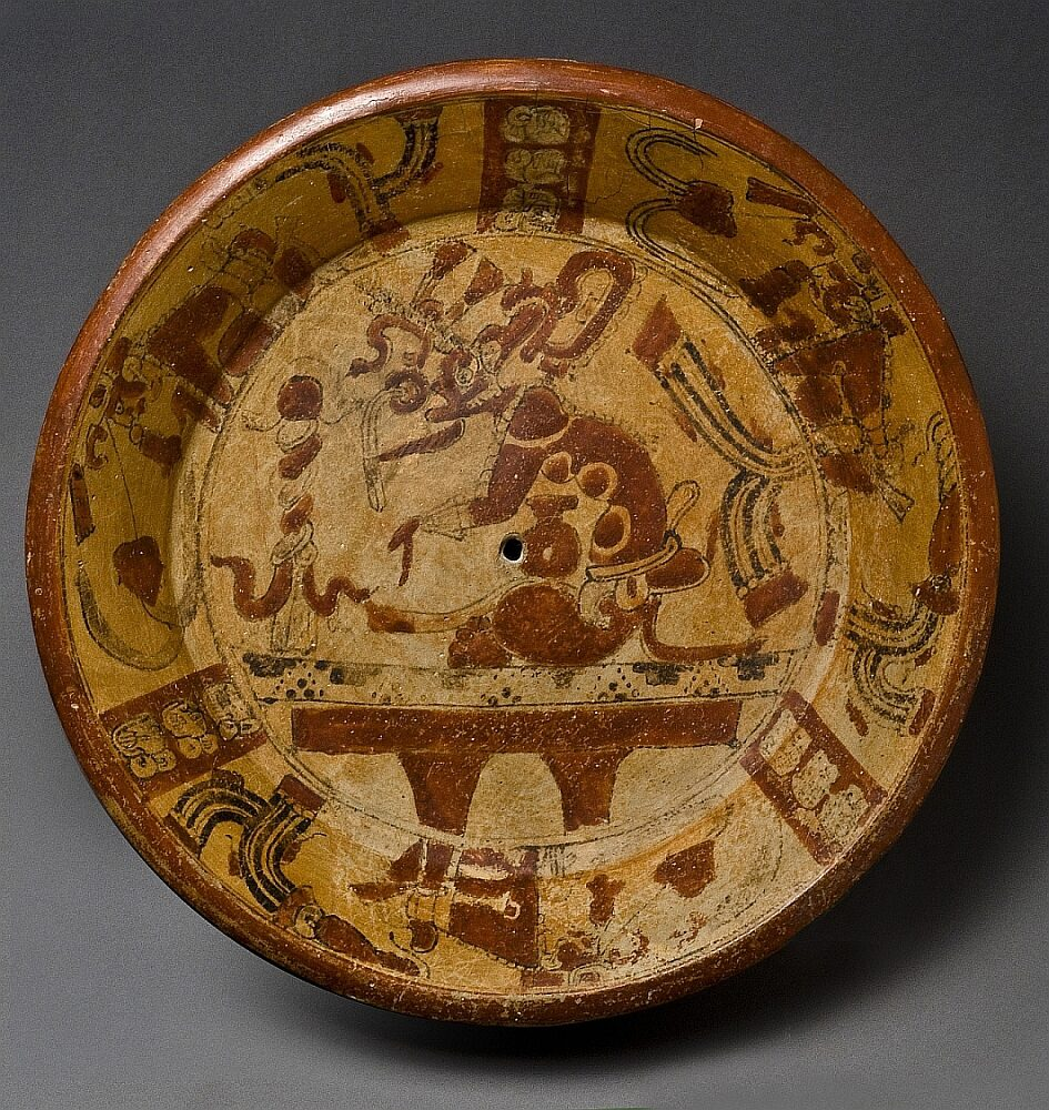Restitution? From the South America collection of the Museum Fünf Kontinente in Munich: Ceramic bowl of the Maya from Guatemala, created between the 6th and 9th century