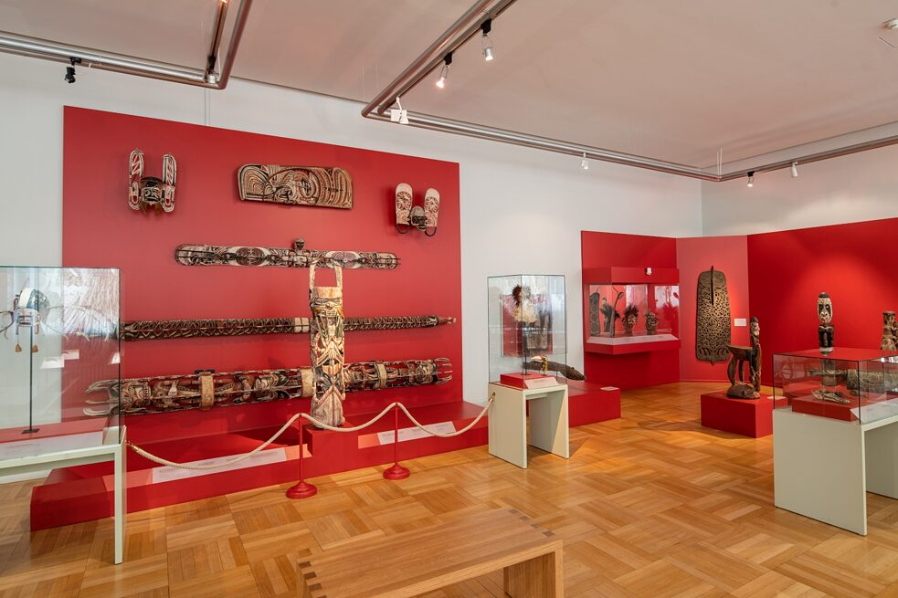 Restitution? Large Collection: Insight into the permanent exhibition Oceania of the Museum Fünf Kontinente in Munich