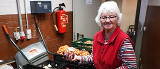 All around Germany, foodbanks are divvying up leftover food to people in need.