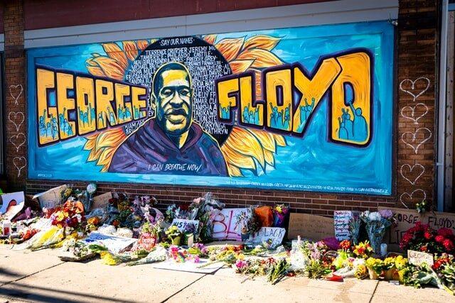 Graffitiwand zu Ehren von George Floyd in Minneapolis