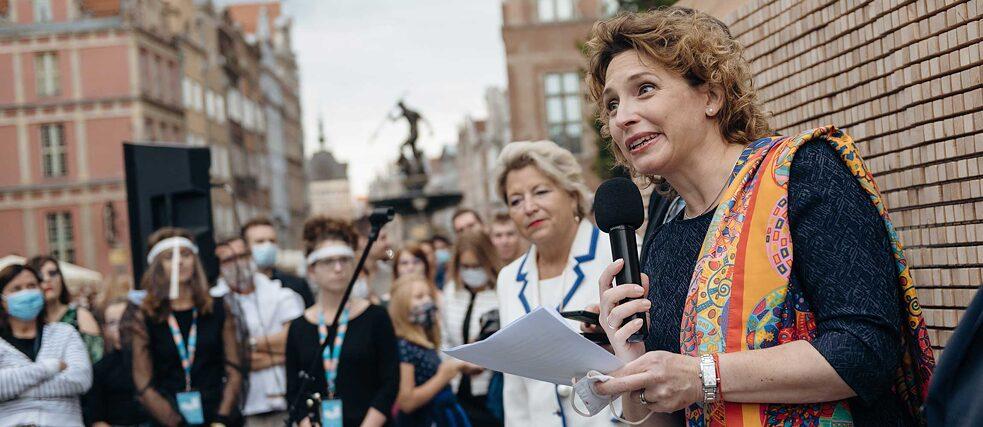 "Nicola Beer, Vice-President of the European Parliament, speaks at the opening of the ""Disappearing Wall"" in Gdansk."