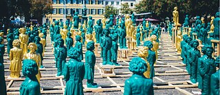 "Decolonisation – Art installation ""Ludwig van Beethoven - Ode an die Freude"": On the occasion of Ludwig van Beethoven's 250th birthday in May 2019, 700 Beethoven sculptures by Ottmar Hoerl stood in front of the historic Beethoven monument on Bonn's Münsterplatz."