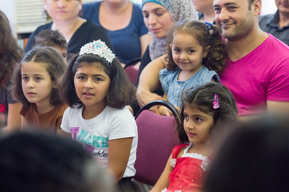 Racism - Children of refugee families during an enrolment celebration at the primary school Kastanienallee.
