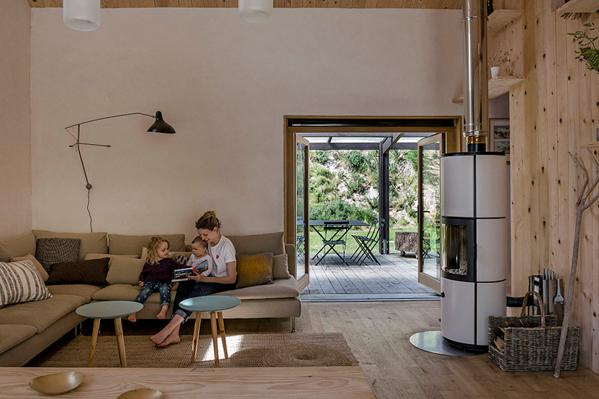 Renovating the old, using local resources and saving energy – everything is thought through in detail