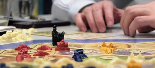 A player playing a board game at the Goethe-Institut New York