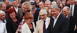 Klaus Wowereit with Ken Adam, Hannelore Hoger, Regina Ziegler and Thomas Gottschalk 2012 in Berlin at the inauguration of the Boulevard of the Stars.