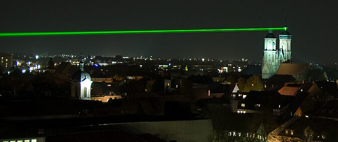 Every night a laser beam serves as a reminder of the path traced by the Gauss-Weber telegraph, the first electromagnetic needle telegraph, and transmits a coded message.